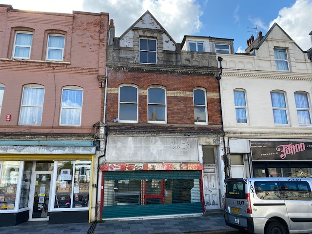 84 Embankment Road, Plymouth, PL4 9HY